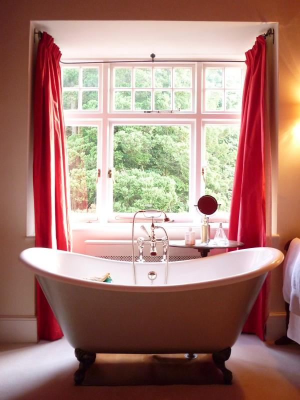 Bathtub, Source: Solveig Osk of Flickr